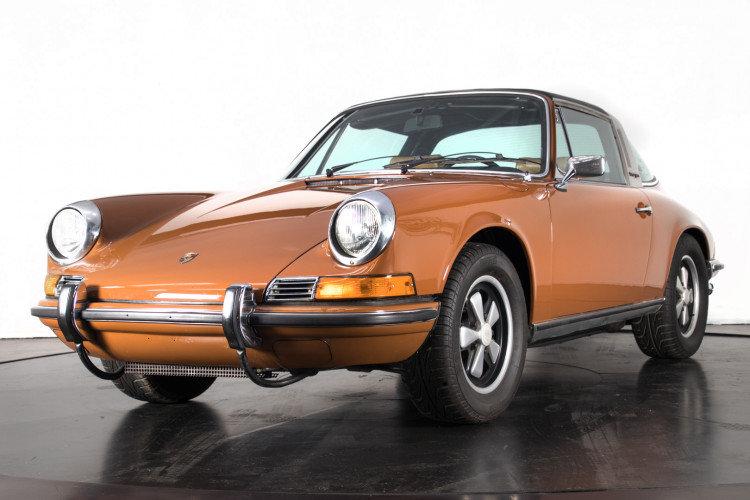 PORSCHE 911 2.4T - TARGA - 1972 For Sale (picture 2 of 6)