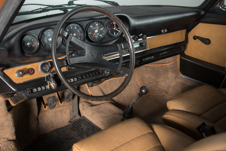 PORSCHE 911 2.4T - TARGA - 1972 For Sale (picture 4 of 6)