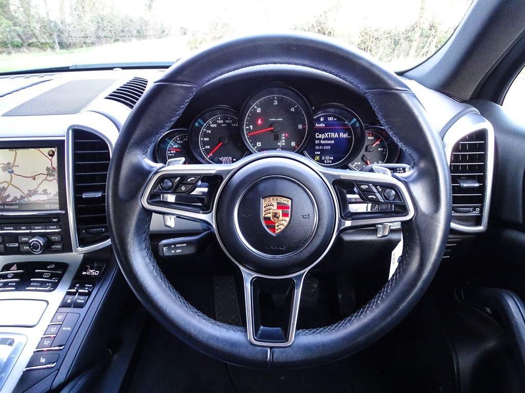 2015 Porsche  CAYENNE  3.0 D V6 TIPTRONIC S AUTO  29,948 For Sale (picture 7 of 19)
