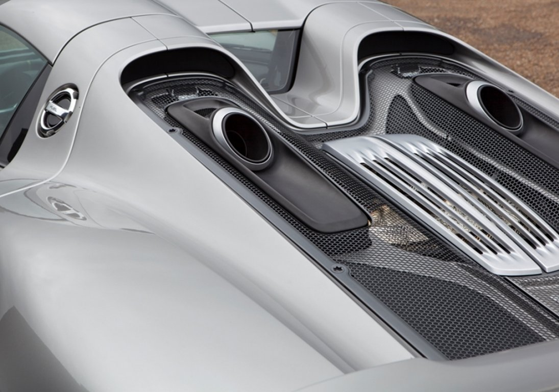 2015 Porsche 918 Spyder For Sale by Auction (picture 4 of 4)