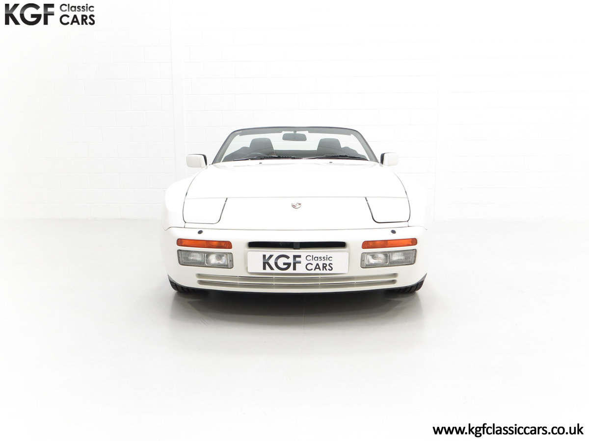 1989 A Collectors Porsche 944 S2 Cabriolet with 12,379 Miles For Sale (picture 3 of 24)