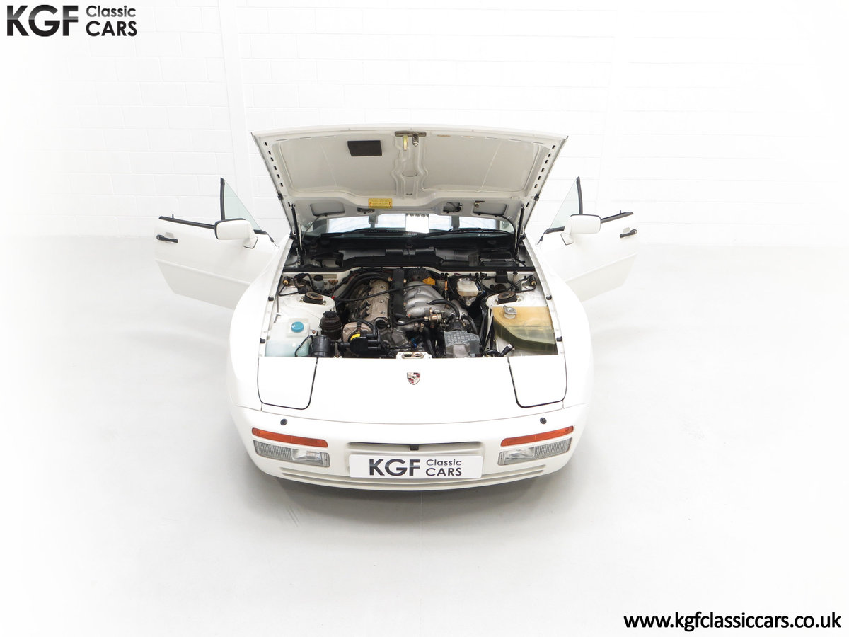 1989 A Collectors Porsche 944 S2 Cabriolet with 12,379 Miles For Sale (picture 4 of 24)