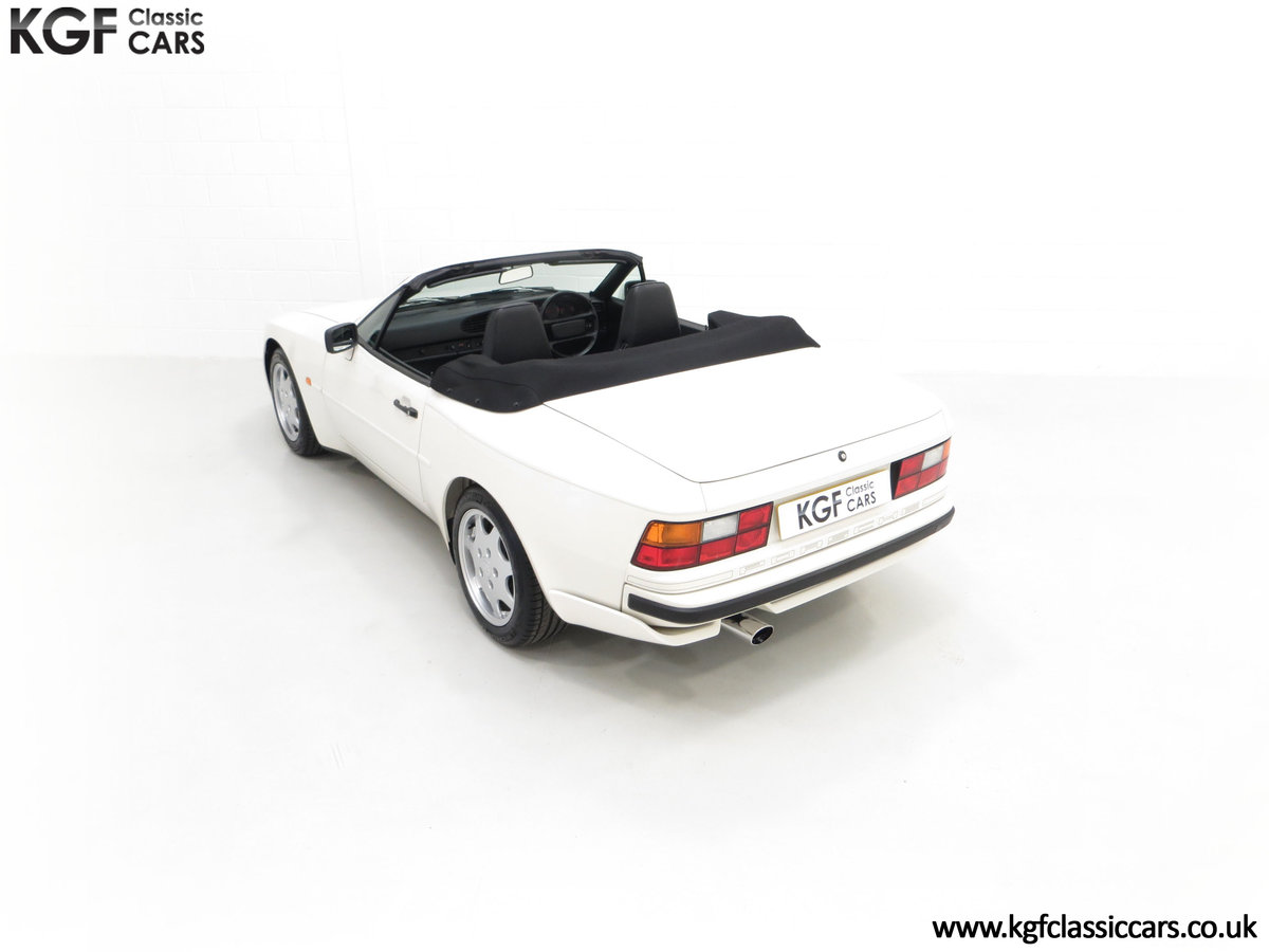 1989 A Collectors Porsche 944 S2 Cabriolet with 12,379 Miles For Sale (picture 9 of 24)