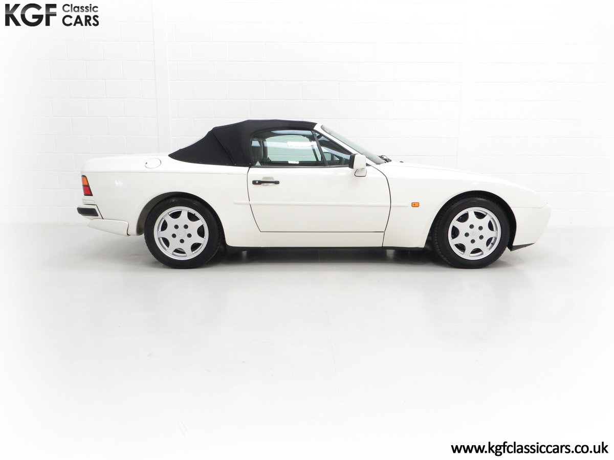 1989 A Collectors Porsche 944 S2 Cabriolet with 12,379 Miles For Sale (picture 14 of 24)