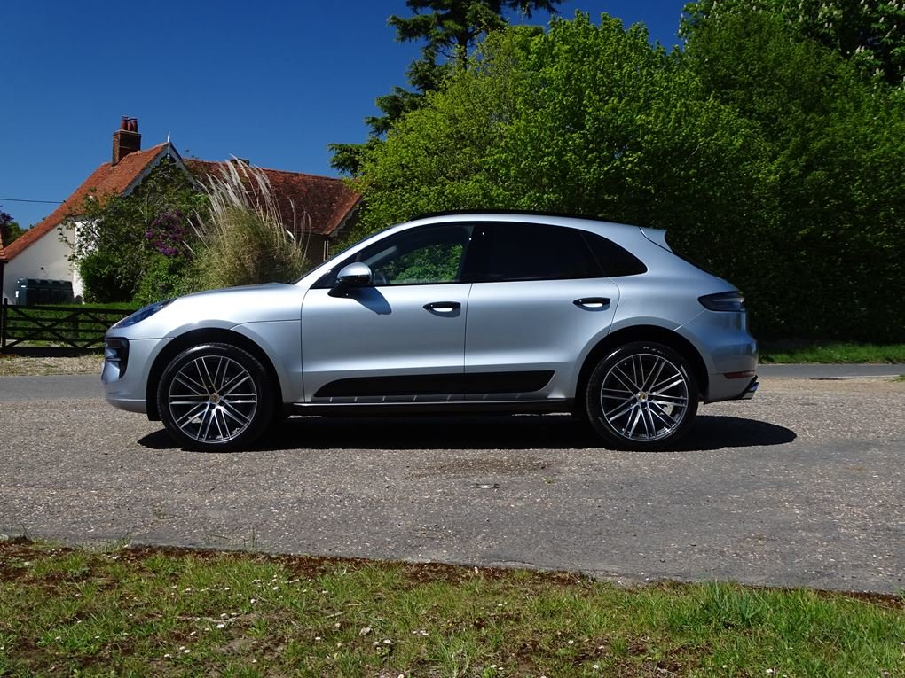 2019 Porsche  MACAN  S PDK 3.0 AUTO  49,948 For Sale (picture 2 of 24)