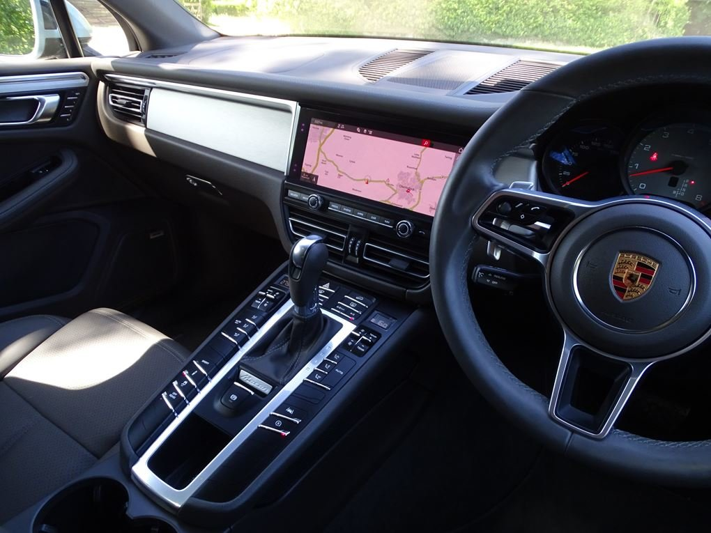 2019 Porsche  MACAN  S PDK 3.0 AUTO  49,948 For Sale (picture 10 of 24)