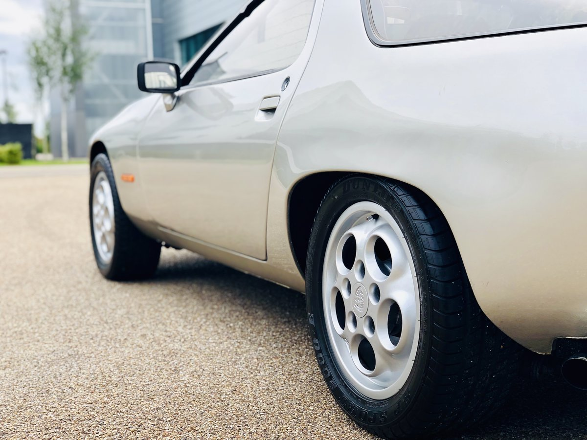 1982 STUNNING SERIES 1 PORSCHE 928  For Sale (picture 3 of 6)