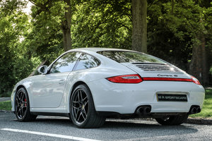 Special Order Porsche 911 Carrera 4S in Carrara White