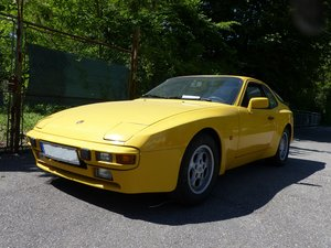 Picture of 1985 Very well preserved Porsche 944, 2 owners German car new MOT SOLD
