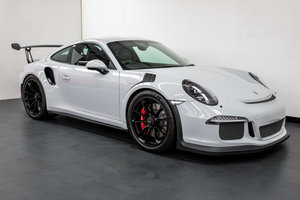 Porsche 991.1 GT3 RS Coupe PDK. 1 of 2 UK Cars painted in Gr
