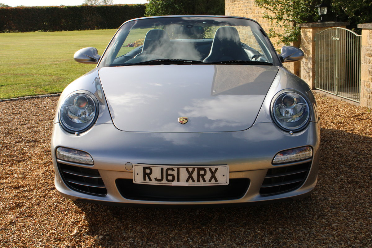 2012 MDL PORSCHE 997 C4 3.6 PDK CAB – 33,000 MILES – £45,950 For Sale (picture 2 of 6)