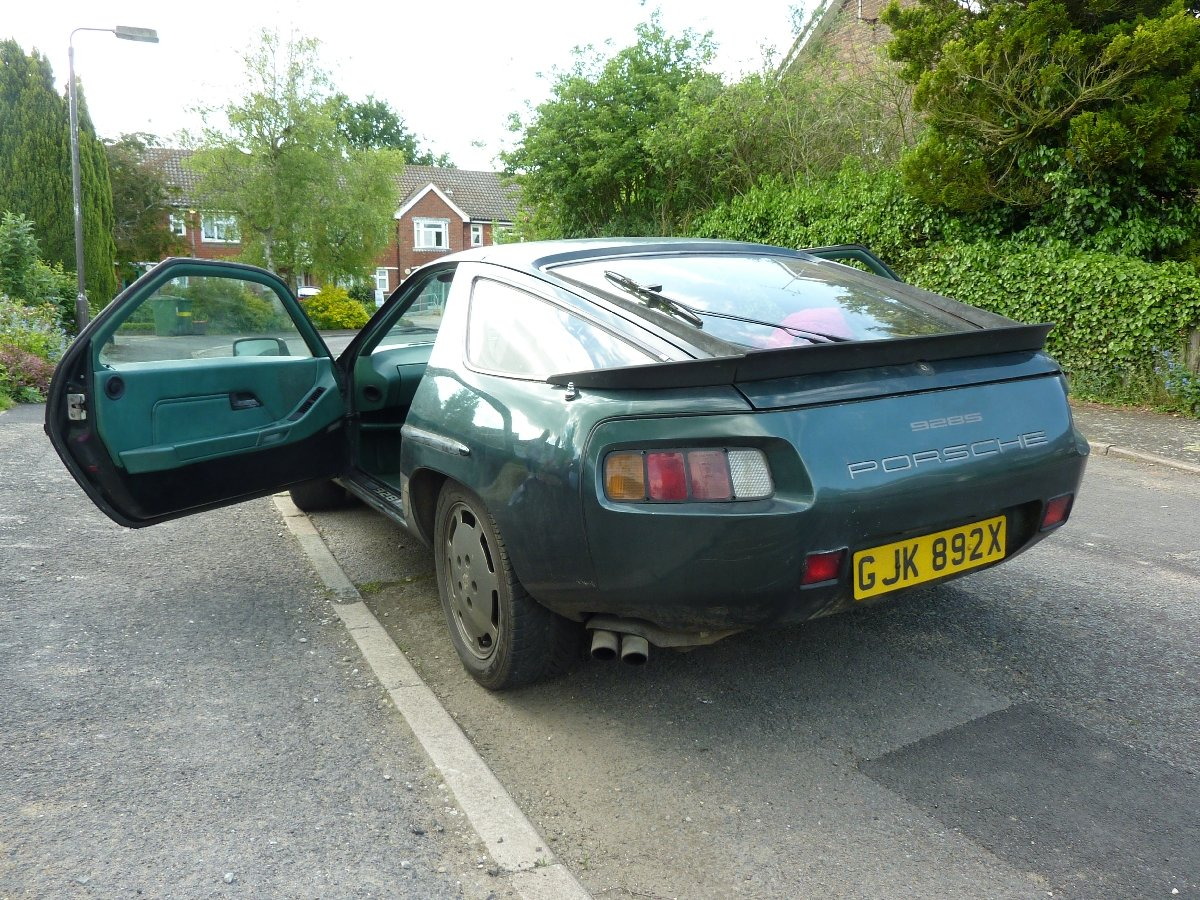 1982 Porsche 928 S - Manual gearbox SOLD (picture 1 of 3)