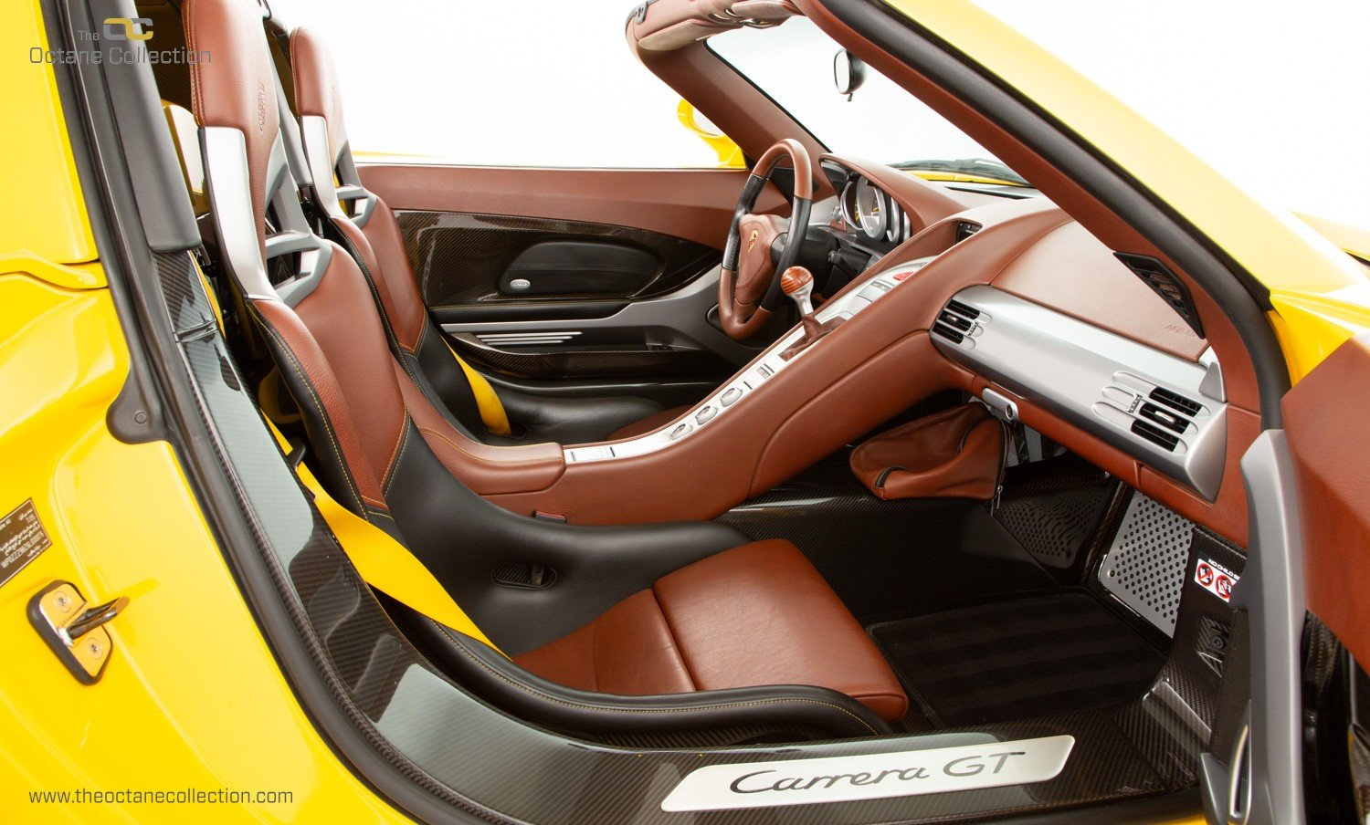 2006  PORSCHE CARRERA GT // SPEED YELLOW // ENGINE OUT SERVICE For Sale (picture 12 of 23)