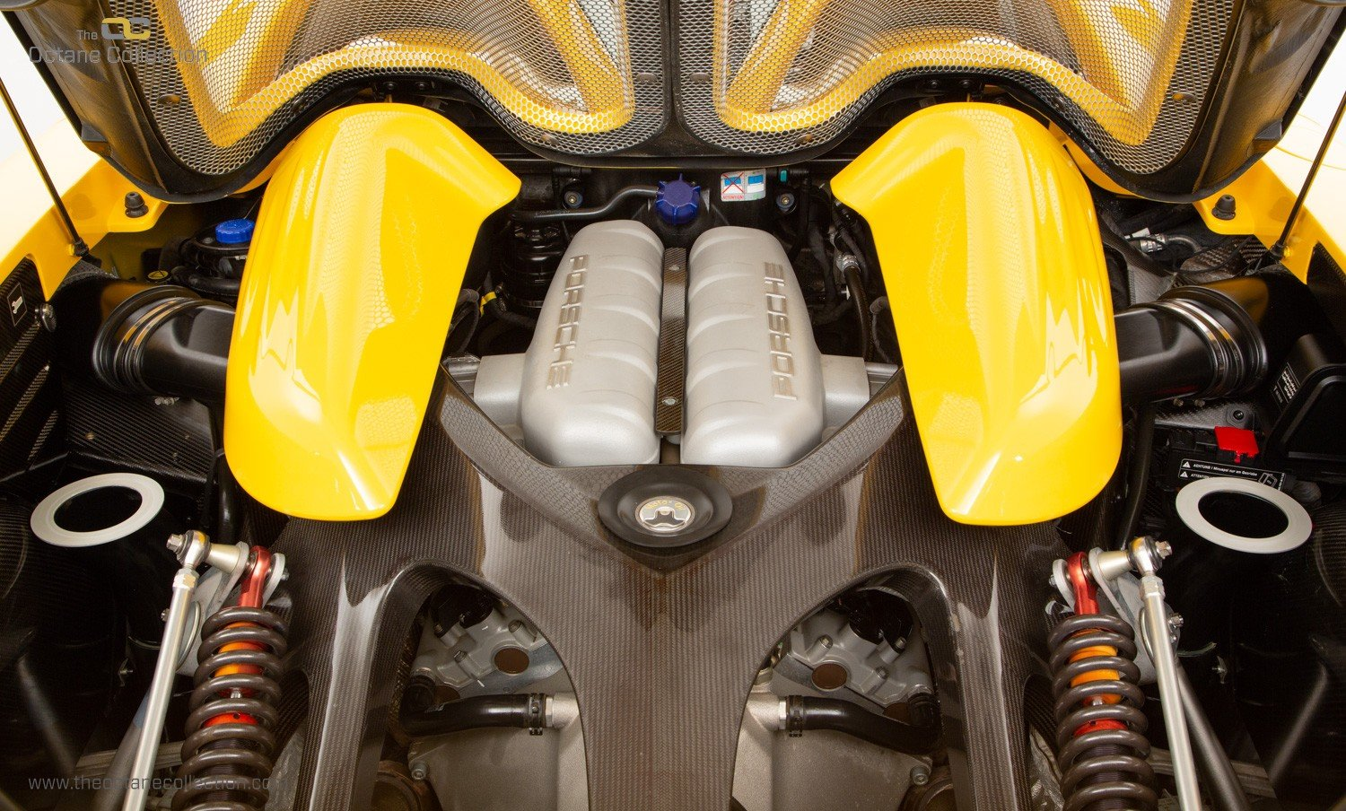 2006  PORSCHE CARRERA GT // SPEED YELLOW // ENGINE OUT SERVICE For Sale (picture 18 of 23)
