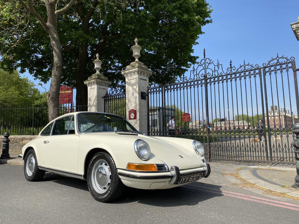 1971 1970 Porsche 911T - Restored condition For Sale (picture 2 of 24)