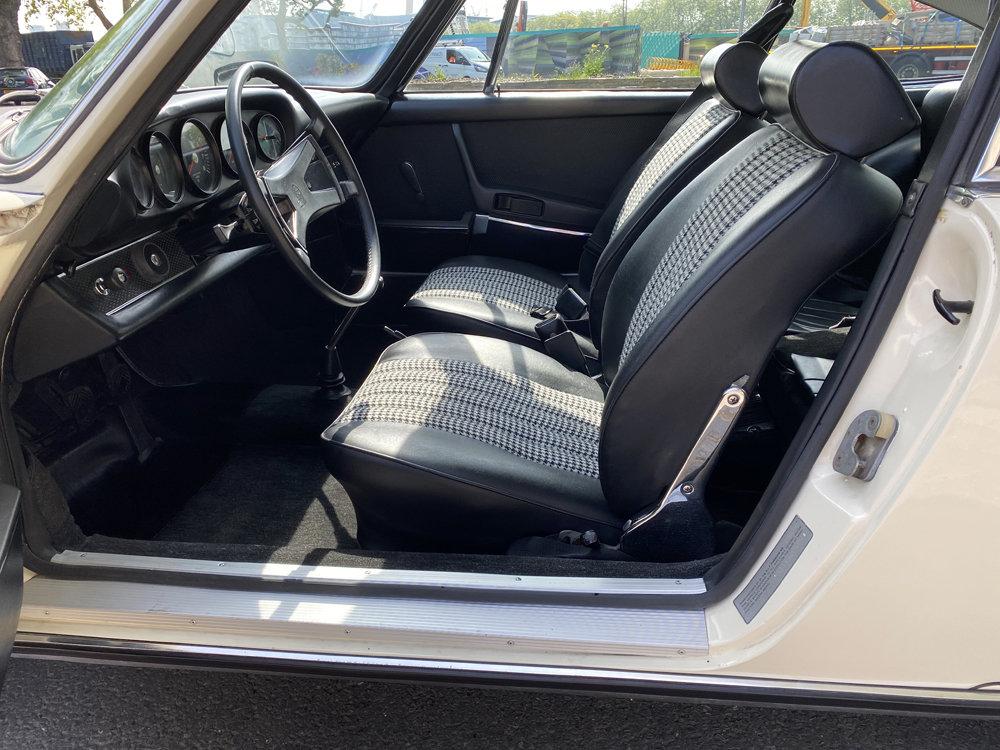 1971 1970 Porsche 911T - Restored condition For Sale (picture 6 of 24)
