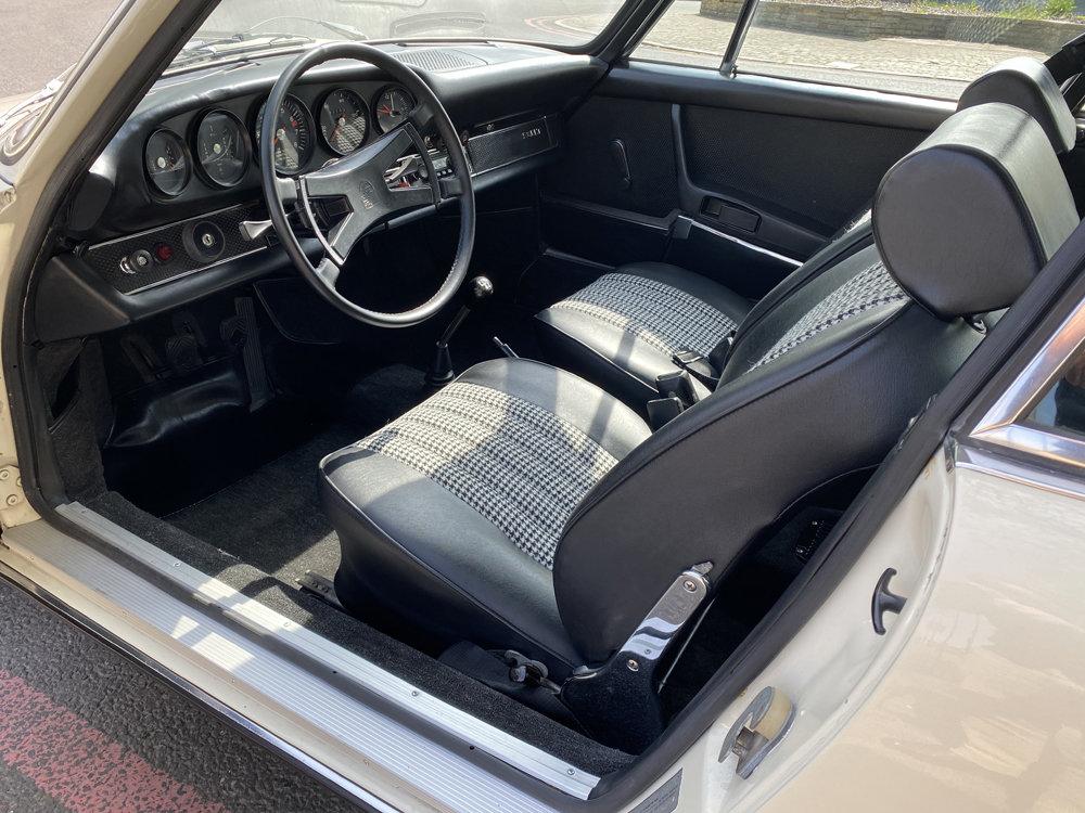 1971 1970 Porsche 911T - Restored condition For Sale (picture 10 of 24)