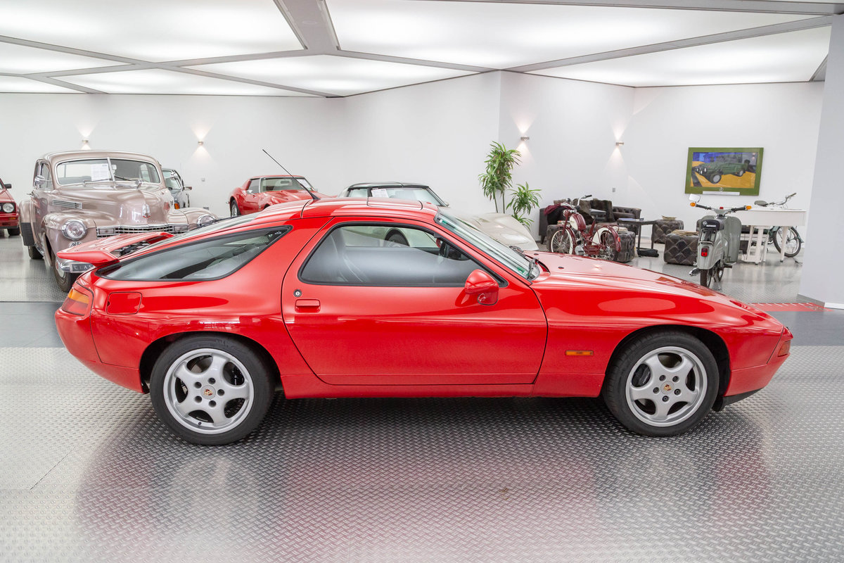 1993 Porsche 928 GTS For Sale (picture 2 of 6)