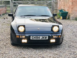 Porsche 944 2.7 Lux fully restored