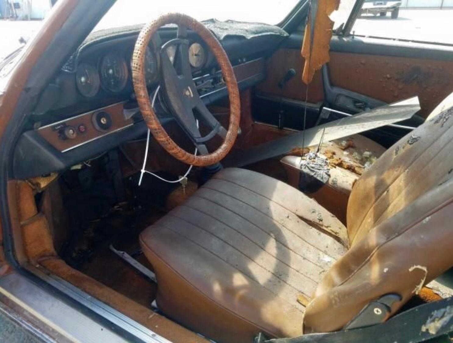 PORSCHE 911 TARGA 1972R PROJECT For Sale (picture 2 of 6)