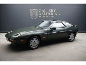 Porsche 928S Great colour combination