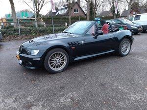 BMW Z3 roadster 3.0 liter 6 cyl. 231 bhp black 99000 km