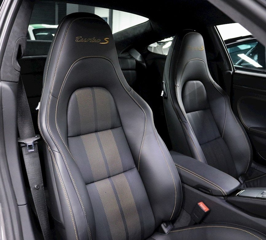 2018 Porsche 911 Turbo S EXCLUSIVE SERIES (LHD) For Sale (picture 3 of 6)