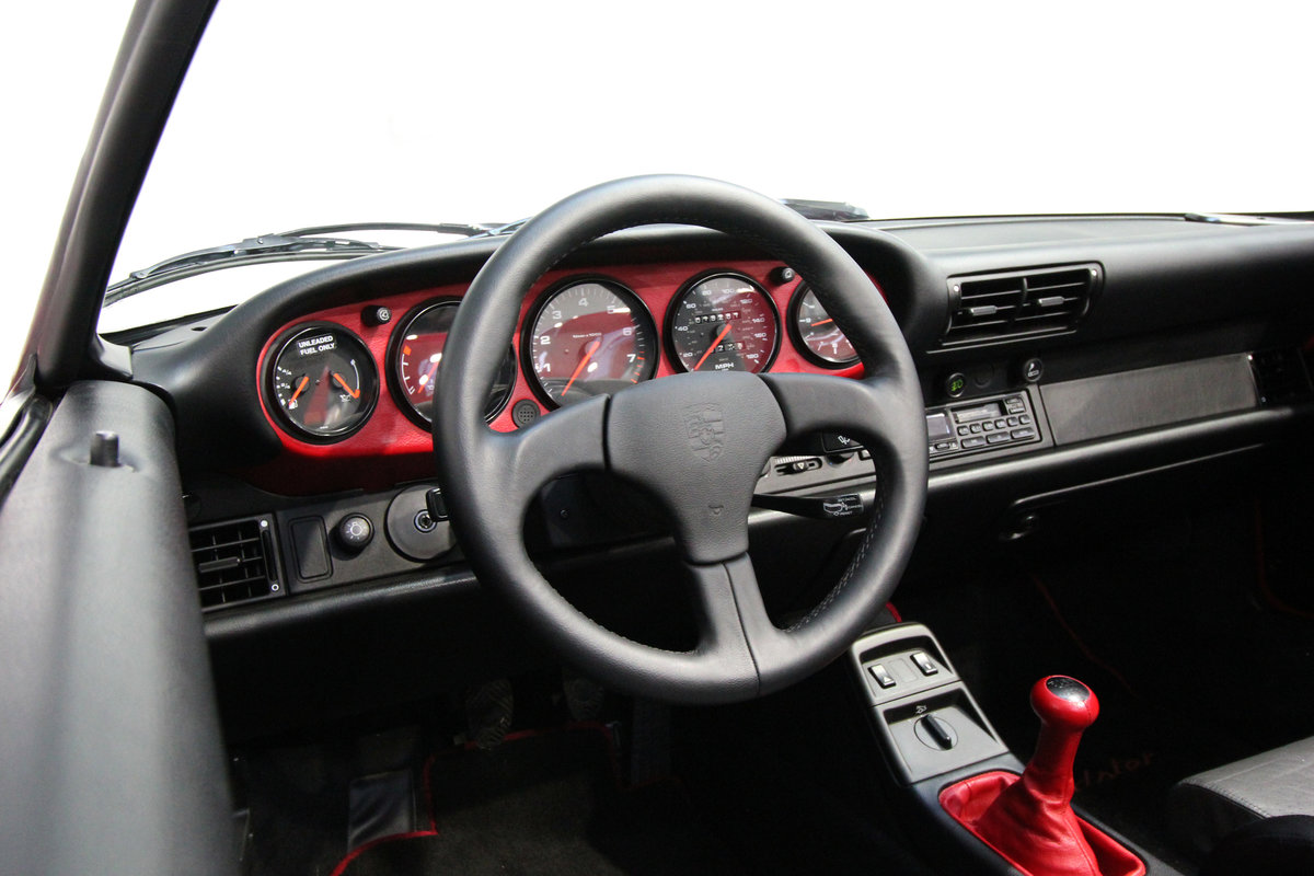 1994 PORSCHE 964 SPEEDSTER LHD WITH GREAT PROVENANCE For Sale (picture 5 of 6)