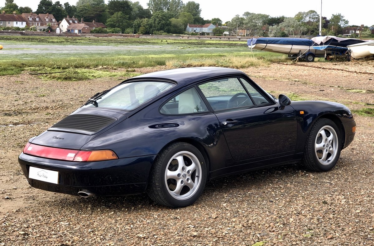 1994 Porsche 993 Carrera Tiptronic. Low miles, superb condition SOLD (picture 2 of 6)