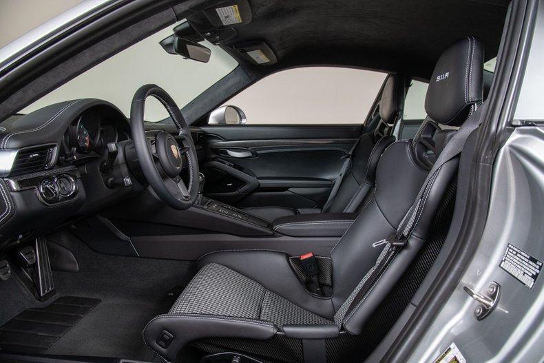 2016 Porsche 911R For Sale (picture 2 of 6)