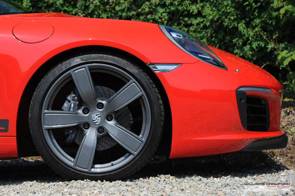 2018 Like new Porsche 991.2 Carrera T manual For Sale (picture 3 of 6)