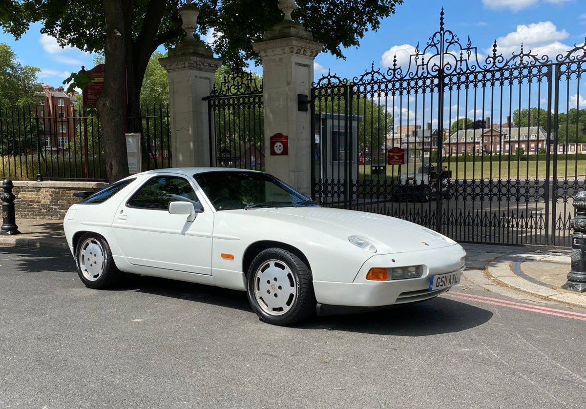 1990 Porsche 928S4 - an unbelievable 5.400 miles only For Sale (picture 1 of 6)