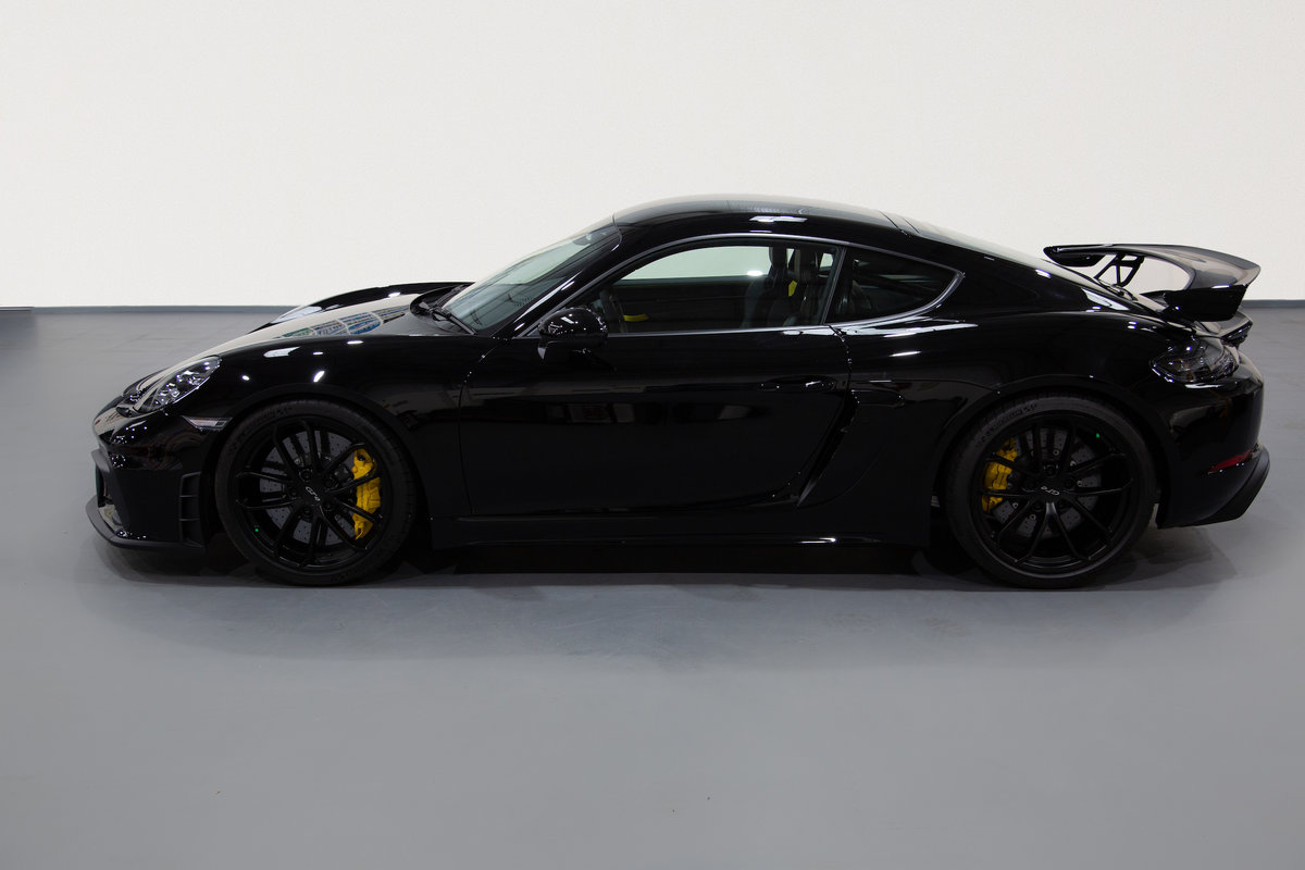 2020 Porsche 718 Cayman GT4 For Sale (picture 2 of 6)