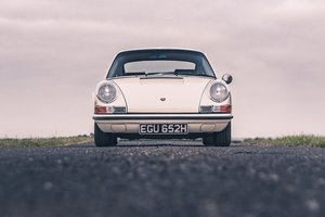 1970 Porsche 911E 2.2 MFI LHD. Superb. For Sale