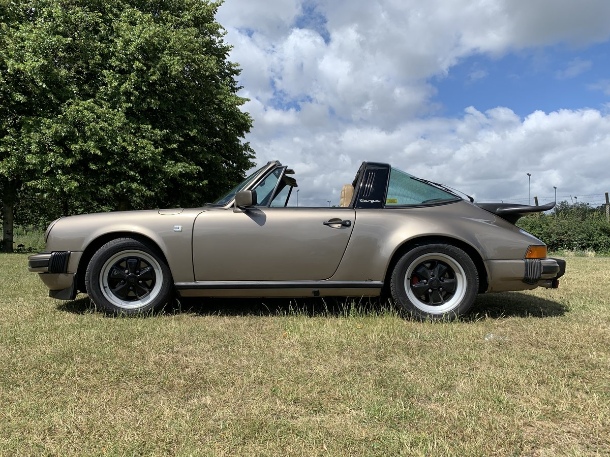 Porsche 911 TARGA SC 1981 pewter Gold  For Sale (picture 1 of 6)