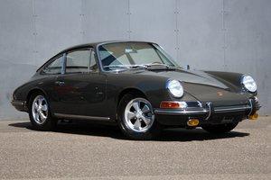 1967 Porsche 911 2.0 SWB Coupé - Completely restored! For Sale