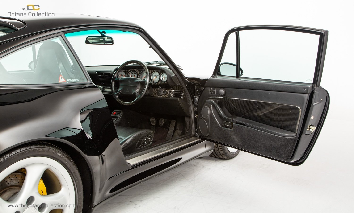 1998 PORSCHE 993 TURBO S // 1 OF 23 RHD CARS // UK C16 // FPSH For Sale (picture 14 of 24)