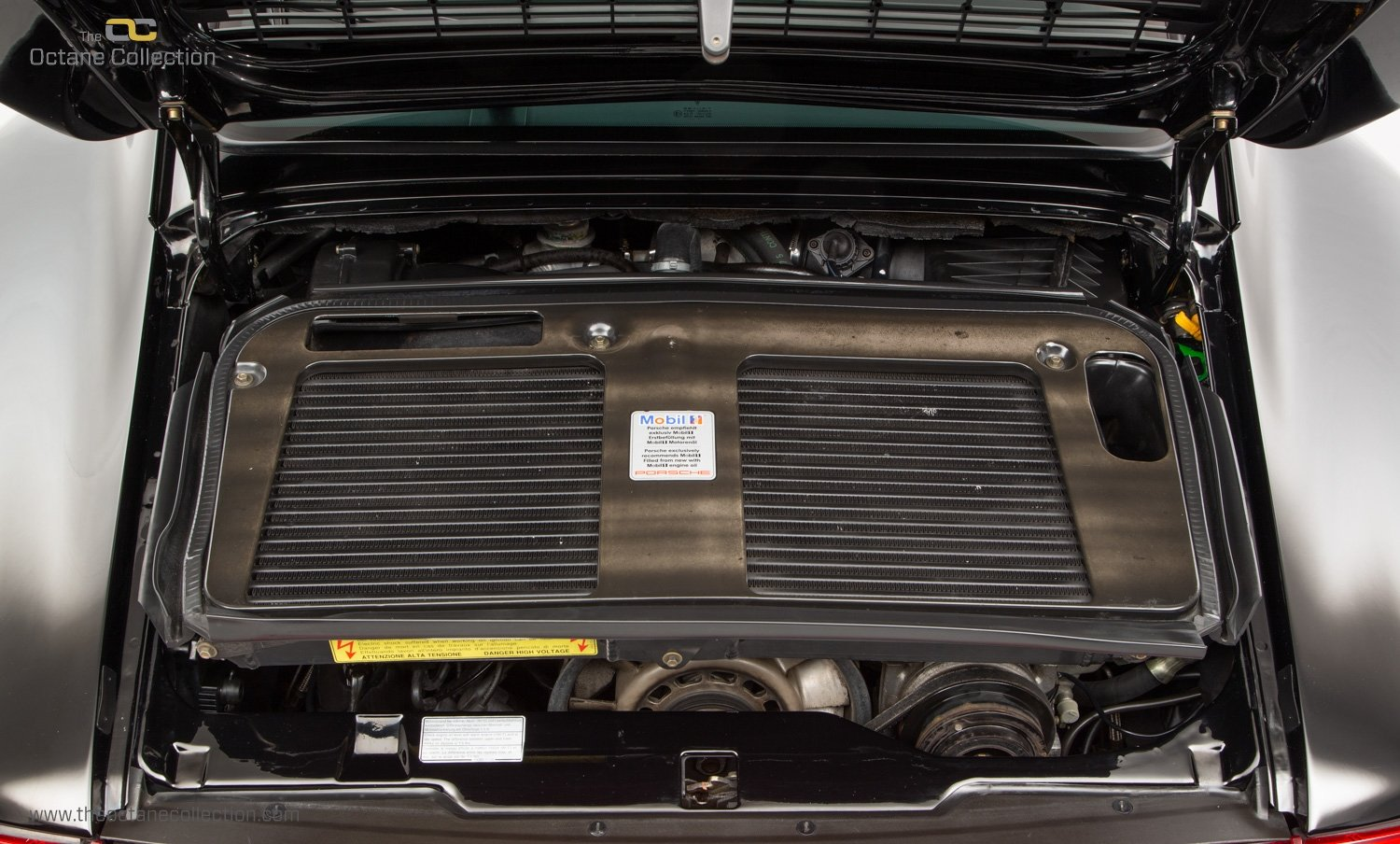 1998 PORSCHE 993 TURBO S // 1 OF 23 RHD CARS // UK C16 // FPSH For Sale (picture 21 of 24)