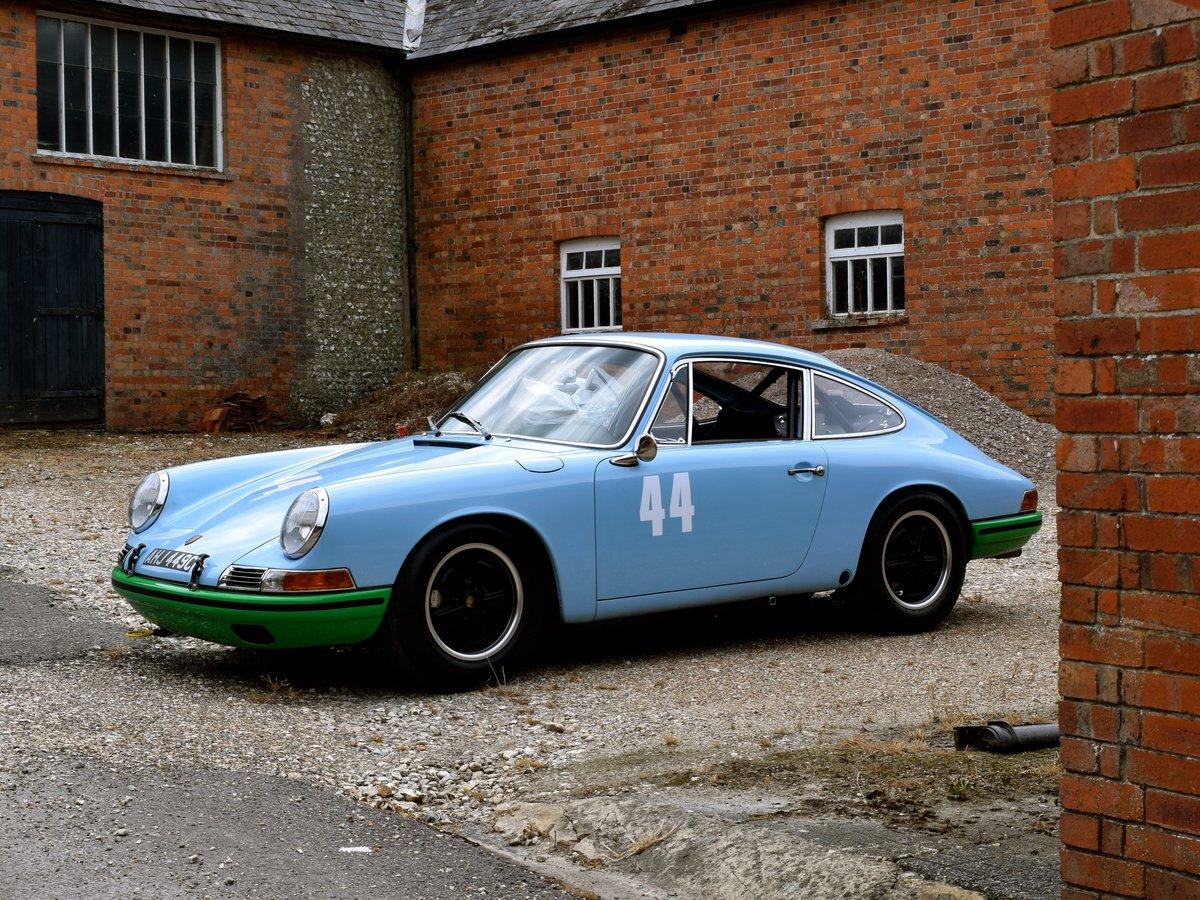 1965 FIA-spec Porsche 911  For Sale (picture 2 of 6)