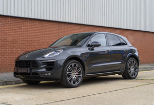 Porsche Macan Turbo Performance Package (RHD)