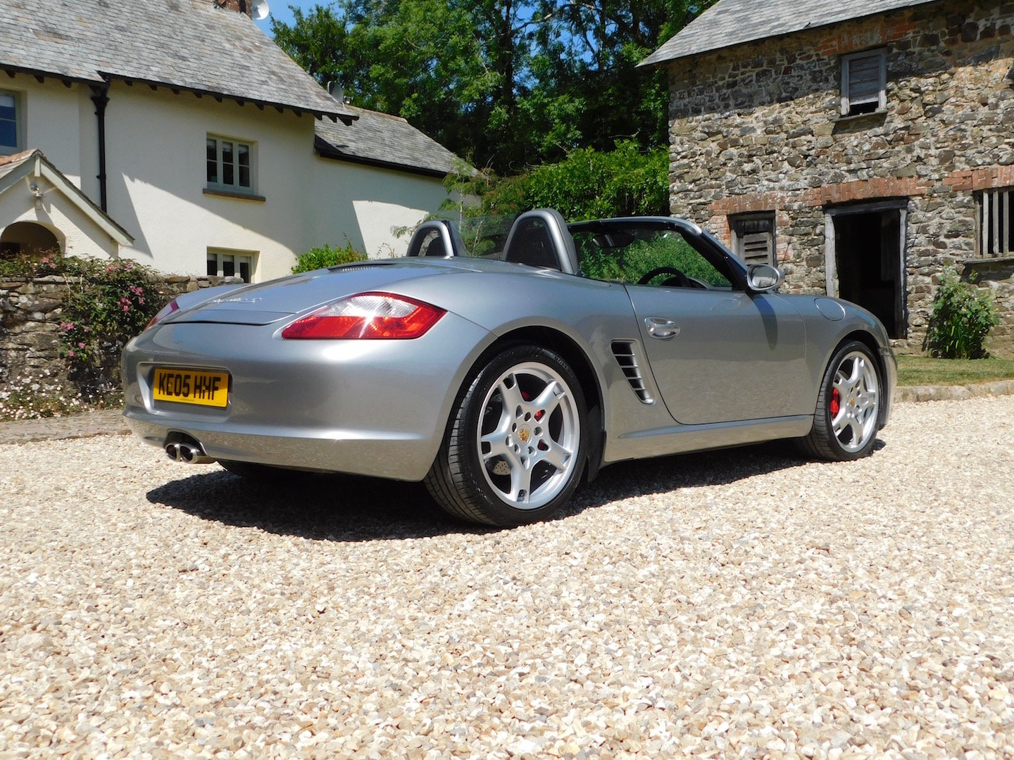 2005 Porsche 987 Boxster 3.2 S - superb order, FSH, high spec For Sale (picture 2 of 6)
