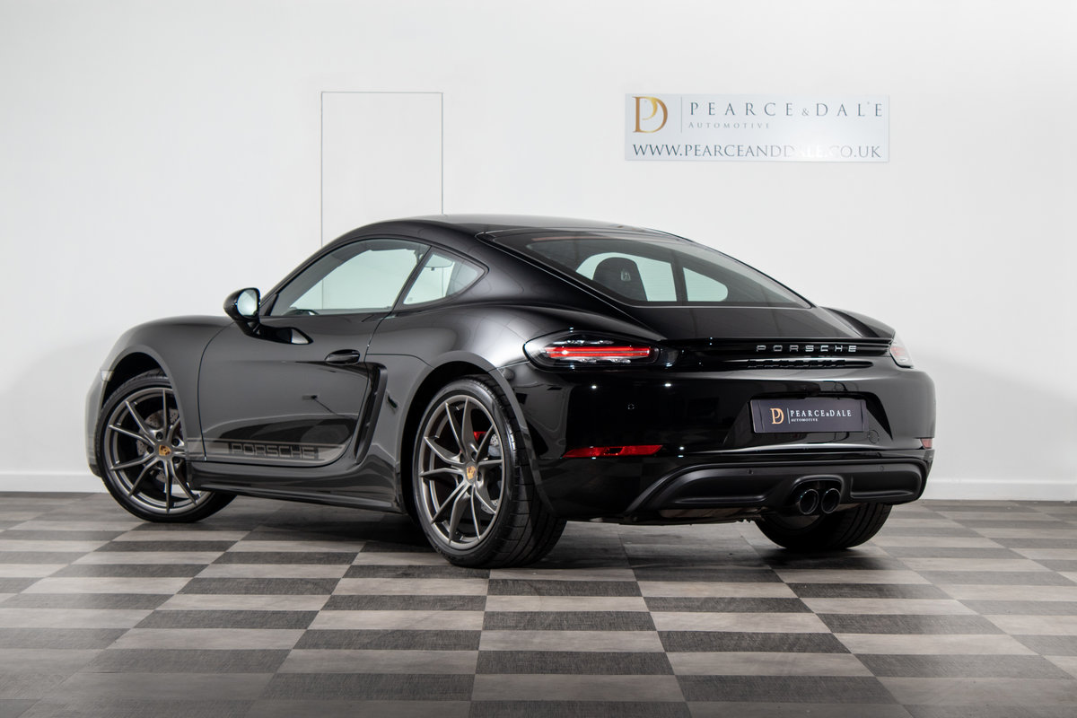 2018 / 67 Porsche 718 Cayman 2.0T PDK SOLD (picture 3 of 6)