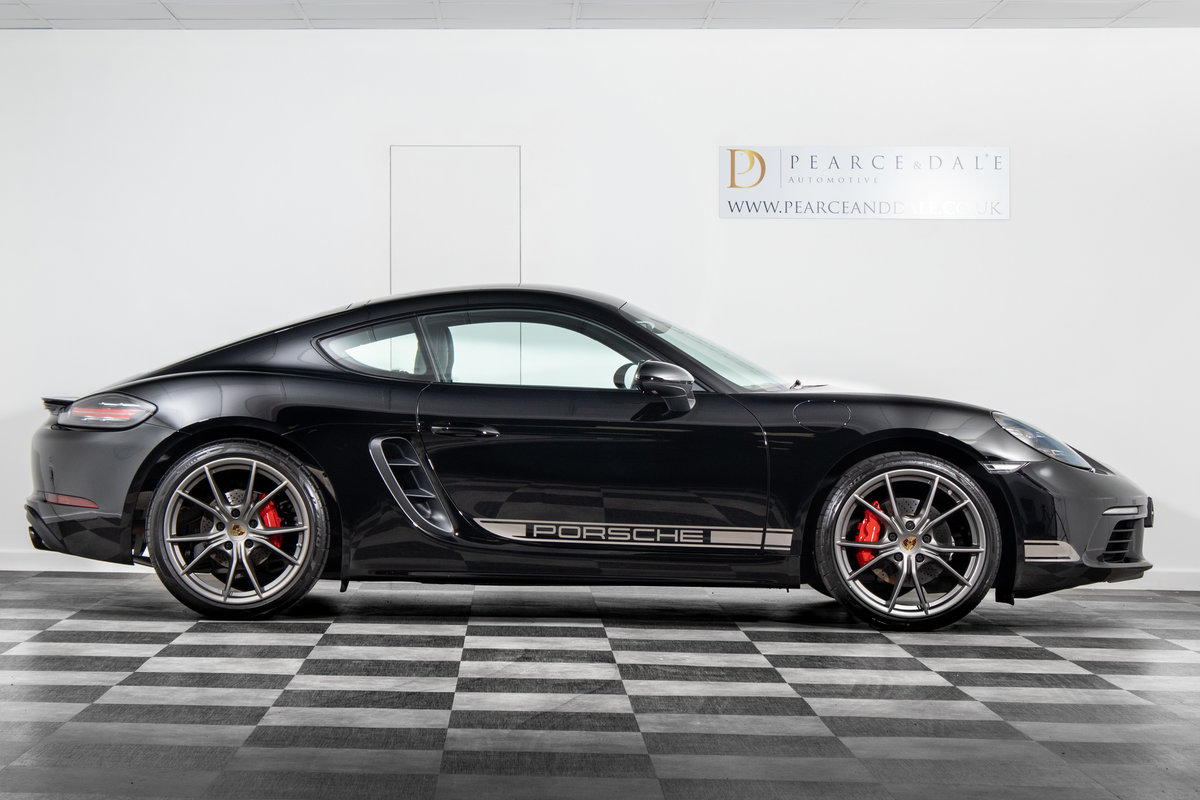 2018 / 67 Porsche 718 Cayman 2.0T PDK SOLD (picture 4 of 6)