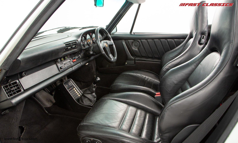 1986 PORSCHE 911 SUPERSPORT CAB // C16 UK RHD // GRAND PRIX WHITE For Sale (picture 15 of 23)
