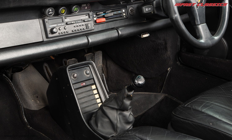 1986 PORSCHE 911 SUPERSPORT CAB // C16 UK RHD // GRAND PRIX WHITE For Sale (picture 16 of 23)