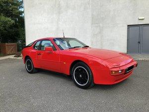 1987 Porsche 944 (oval dash)