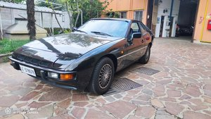 Picture of 1982 good 924 5 speed For Sale