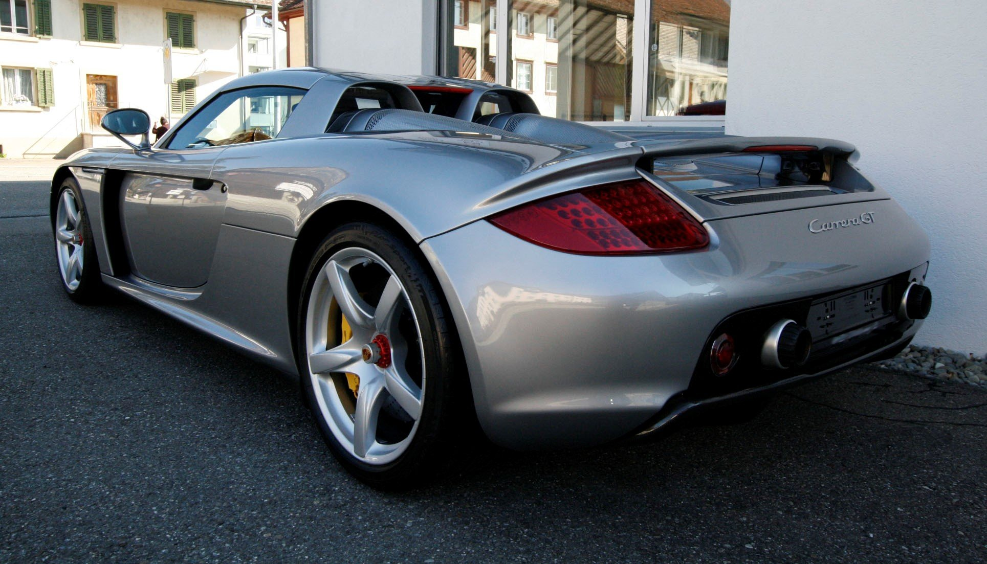 2004 Porsche Carrera GT F1 inspired mid engine supercar For Sale (picture 2 of 6)
