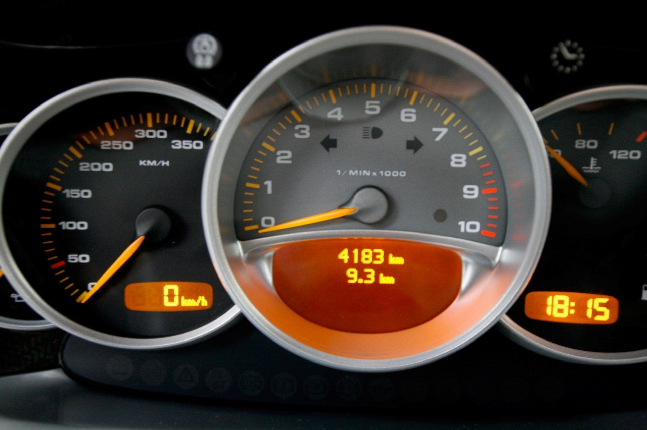 2004 Porsche Carrera GT F1 inspired mid engine supercar For Sale (picture 4 of 6)