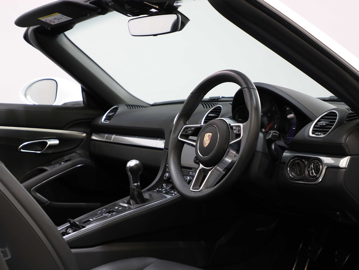 2017 17 17 PORSCHE 718 BOXSTER 2.0T MANUAL For Sale (picture 5 of 6)